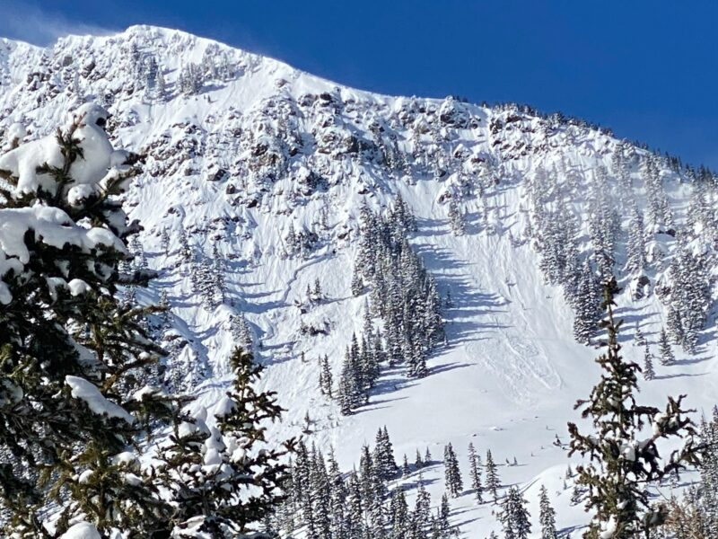Natural Persistent Slab avalanche on the backside of Kachina Peak